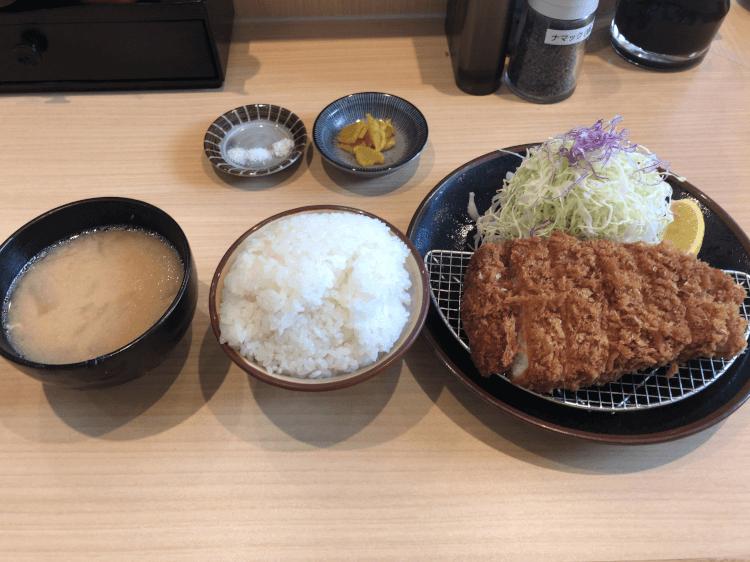 上ロースかつ定食@ とんかつ檍 羽田イノベーション店