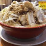 【二郎系】「らーめんバリ男」 新橋本店 デカ盛り!野菜の盛り付けが豪快