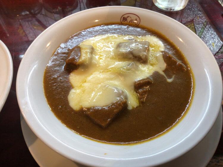 ビーフカレー チーズのせ@欧風カレーボンディ神保町本店