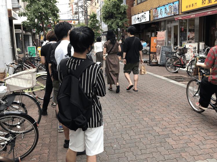 参考 ちばから 蒲田店前回訪問時の行列の様子 その1