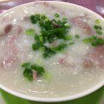 美味くて涙がでる 香港・中環の「羅富記粥麺專家」で牛肉粥