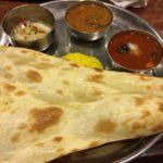 安定の老舗インド料理「新宿ボンベイ」でシーフードカレー