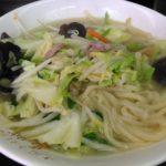 手打ち麺で有名な日暮里「馬賊」で湯麺