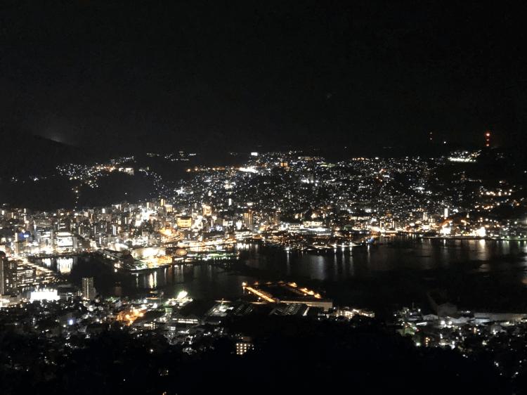 稲佐山山頂展望台から撮影した長崎の夜景