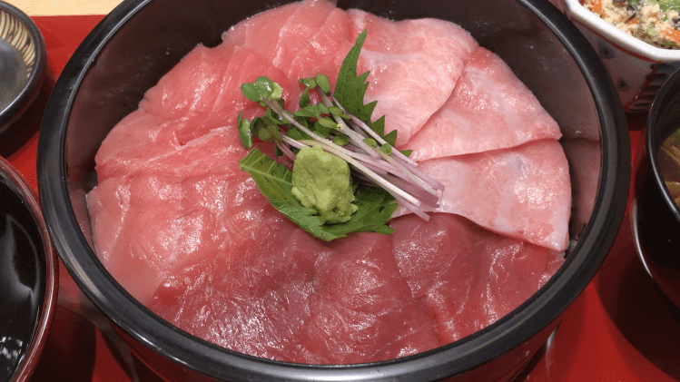 近大生まれ マグロづくしの手桶寿司@ 近畿大学水産研究所 はなれ グランスタ東京店
