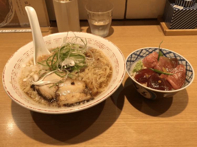 無化調 醤油らーめんと天然大トロ漬け丼@きたかた食堂 新橋
