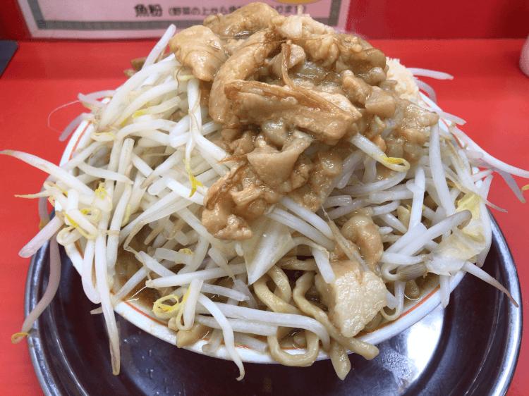 小ラーメン にんにく、野菜増し、背脂多め@麺でる 戸越公園店