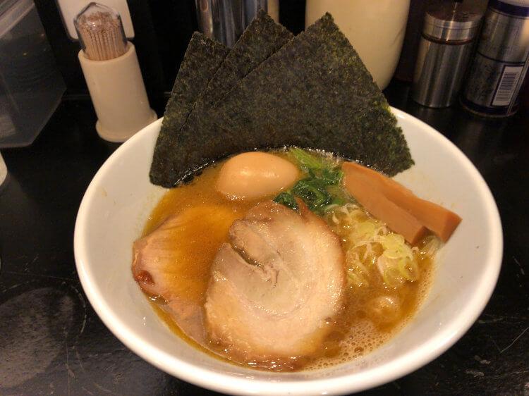 大岡山 麺家ぎんの特製らーめんの写真