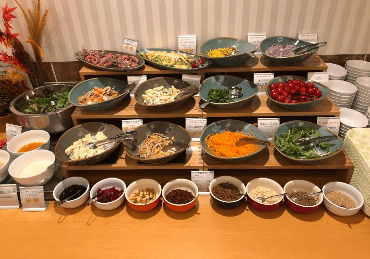 神戸三宮 ホテルモントレの朝食バイキング サラダ
