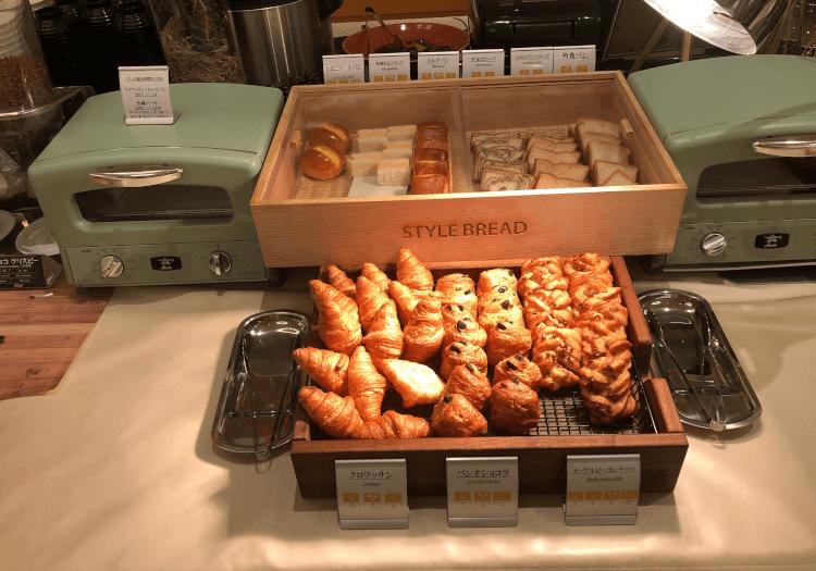 神戸三宮 ホテルモントレの朝食バイキング パン