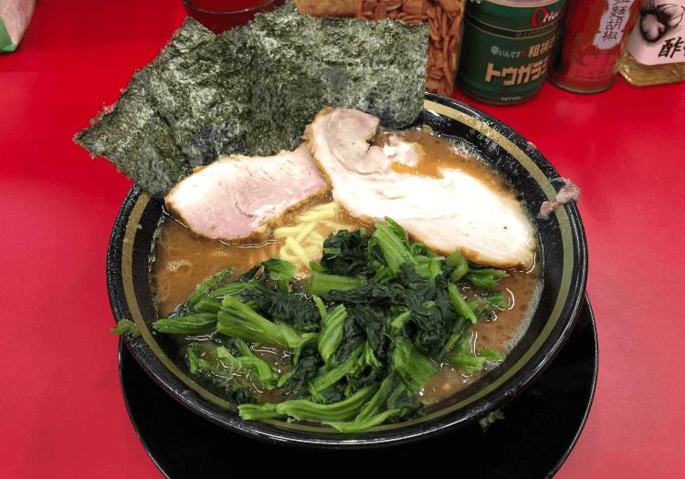 ラーメン+豚バラ1枚+ほうれん草@IEKEI TOKYO 末広町