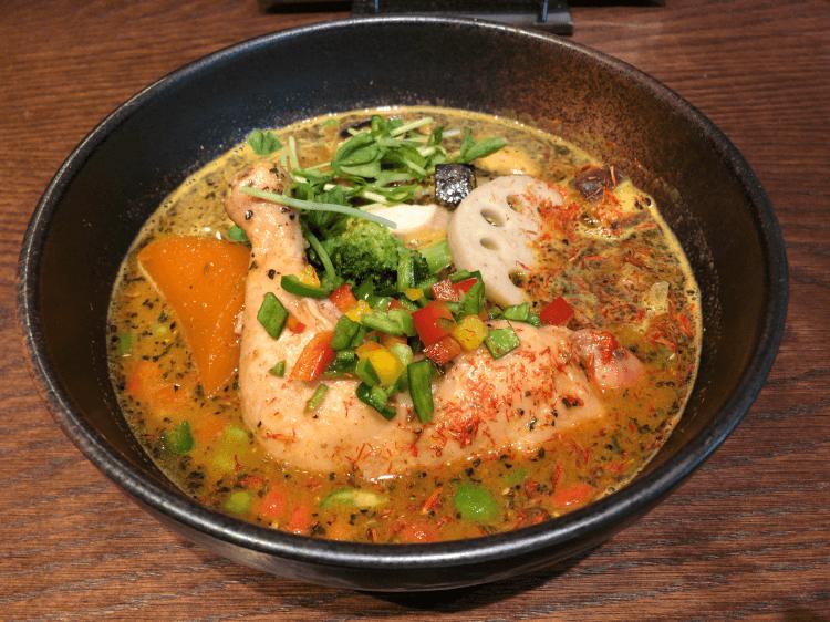 チキンと野菜のスープカレー@シャナイア 目黒