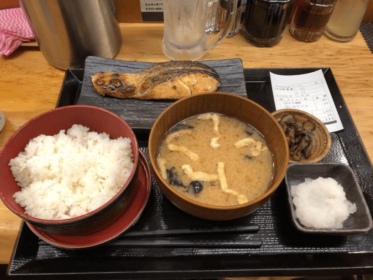 サーモン塩焼き定食@しんぱち食堂 大井町