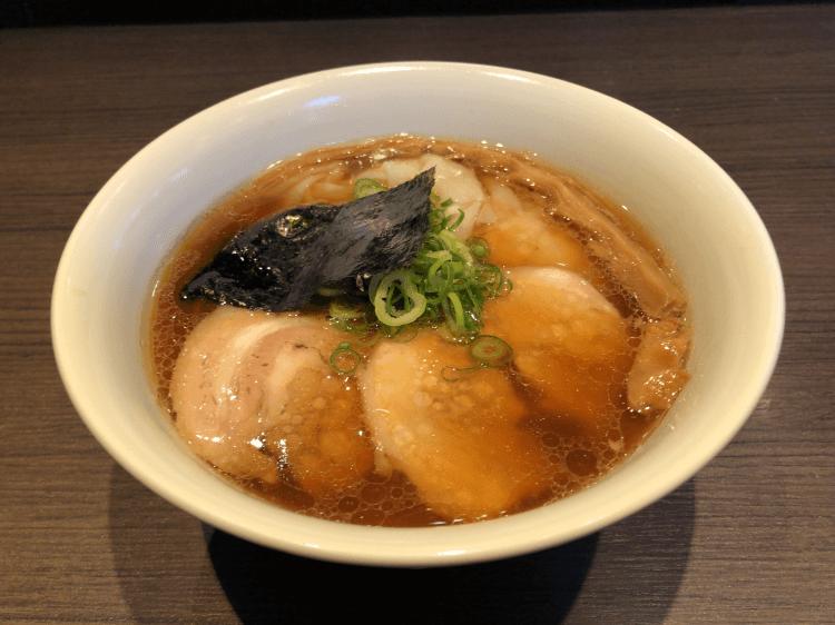 醤油山水地鶏ワンタンらぁ麺@支那そばや 本店 戸塚