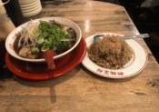 ラーメン(並)+焼きめし(小)@新福菜館 麻布十番