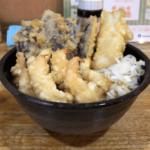 圧倒的ボリュームの揚げたて天ぷらが美味しい伝説の立喰そば店 水道橋「とんがらし」