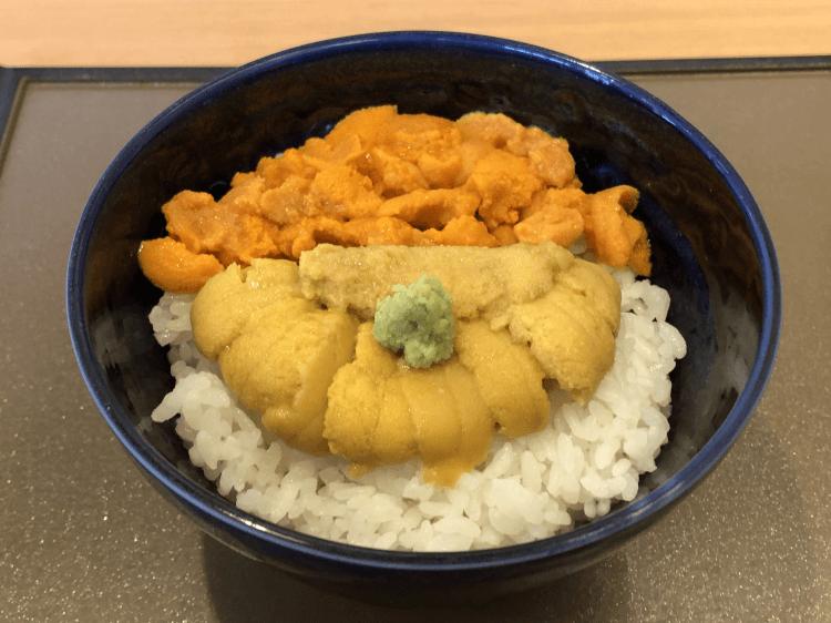食べ比べ丼(エゾバフンウニ+キタムラサキウニ)@うにむらかみ 函館本店
