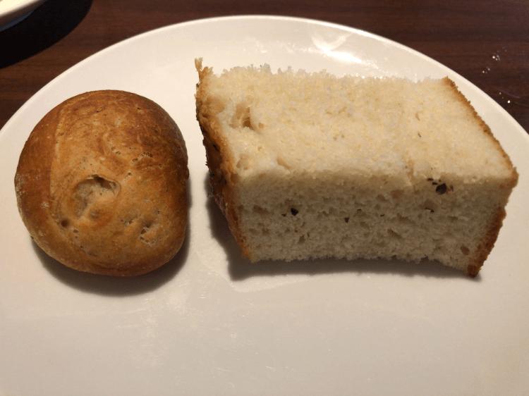 全粒粉のパンとフォカッチャ@ヴィバーチェ 恵比寿