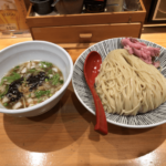 最高級トビウオ出汁スープが話題「焼きあご塩らー麺たかはし」上野店