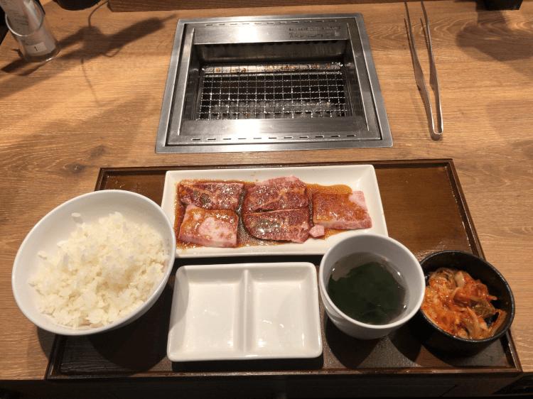 黒毛和牛カルビ100gとごはんセット@焼肉ライク 田町芝浦店