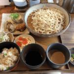 恵比寿「うどん山長」ランチの惣菜が美味しい!女子率高めの行列店