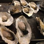 大井町の「かき殻荘」大きな美味い蒸し牡蠣が1キロ1,800円!