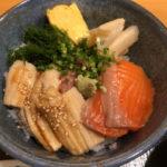 新橋「魚屋 小次朗」魚が美味しい!と評判の人気店で絶品海鮮丼ランチ