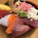 デカ盛りで大人気の浜松町・大門「たぬきすし」おまかせ丼で満腹